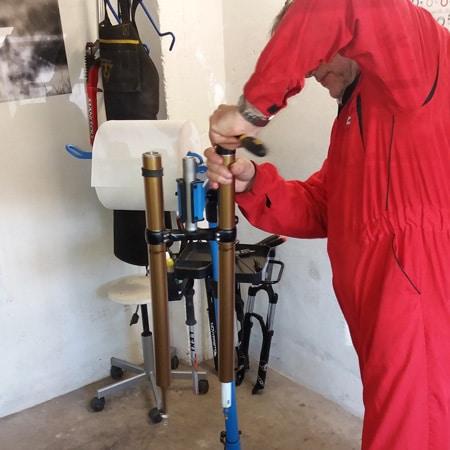 Cours de mécanique vélo: vidange fourche VTT